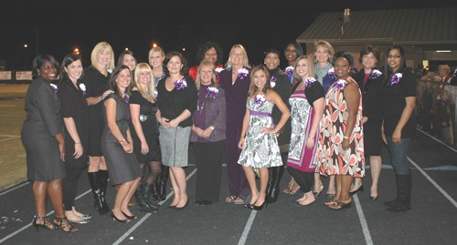 HHS Alumni Homecoming Queens attend Homecoming 2010