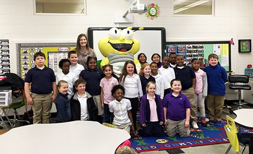HES Students Meet Louie The Lightening Bug