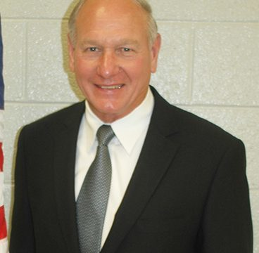 School Board members re-elect chairman