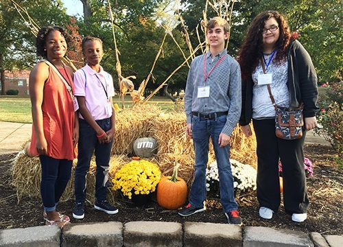 Students attend Leadership Summit