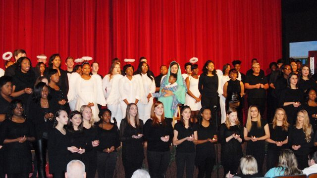 HHS Choirs present Christmas musical