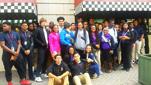Parents and students tour Peabody Hotel