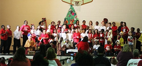 HES students celebrate Christmas