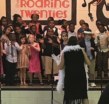 "HES students perform the ""Roaring 20's"""