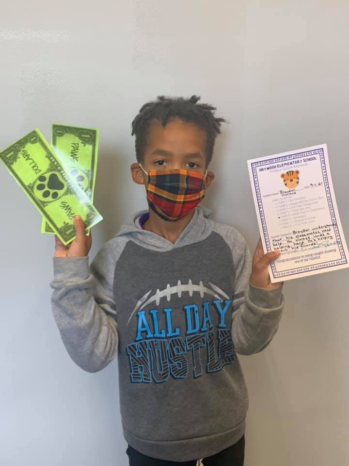 HES rewards readers and doers